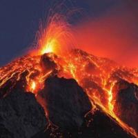 Jika 3 Gunung di Indonesia Ini Meletus Bersamaan , Peradaban Bumi Akan Musnah