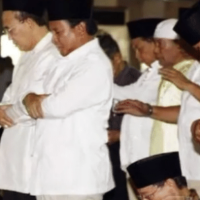 Akhirnya Terjadi , Teriakan Prabowo Presiden Menggema di Masjid Agung Semarang